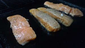 salmone in piastra